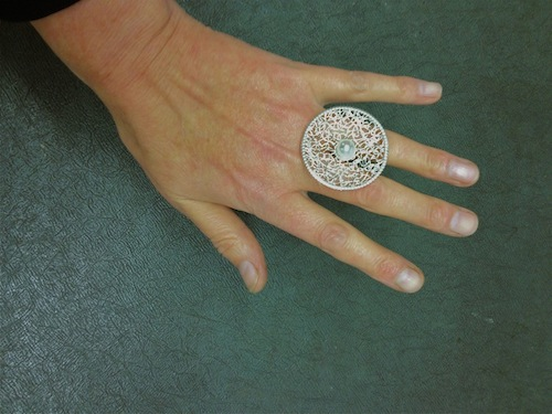 disc ring with pearl